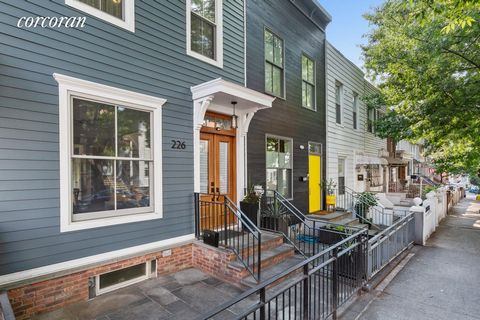 GREEN THUMB OASIS. A fantastic chance to own a renovated 3+ bedroom, 2.5 bath townhouse in bustling Greenwood Heights. Welcome home to this crisp condo alternative that offers bright and sunny living on three floors, where original details seamlessly...