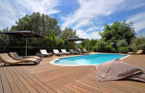 This villa is located in a closed and secure area between the villages of Biot and Valbonne. This country house style villa is bordering a national park that offers several nice hiking trails along the river Brague. The beautiful teak deck around the...