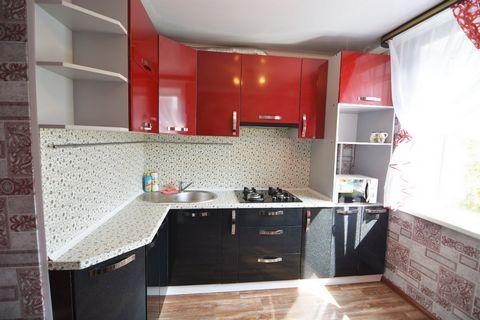 Очень уютная, чистая, с отличным ремонтом 2-х.комнатная квартира «люкс» в самом центре города (пр-т Ленина 128). Рядом с вами будет ТЦ