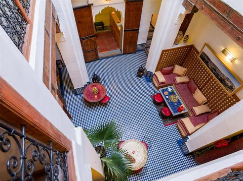 furnished operational riad 240m2 médina fes. there are 1 suite and 4 rooms with bathrooms. the riad is located in tourist area. the riad has a large customer.