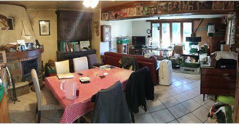 A 1,5 Km du RER BIEVRE, Maison a rafraîchir comprenant : Entrée sur salon cheminée insert 40 m² avec cuisine ouverte un WC, un cellier. A l'étage, 2 chambres, une salle deau, un WC (possibilité de 3ème chambre). Le tout sur un terrain de 527 m² avec ...