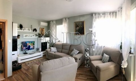 Burgas. Modern furnished 2-Bedroom apartment, Pomorie IBG Real Estates offers for sale a fully furnished apartment, located on 4th floor / with lift / in residential building in the center of Pomorie. The property is surrounded by various shops, cafe...