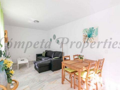 Bonito piso para alquilar en Torrox Costa, vistas al mar, terrazas, piscinas.