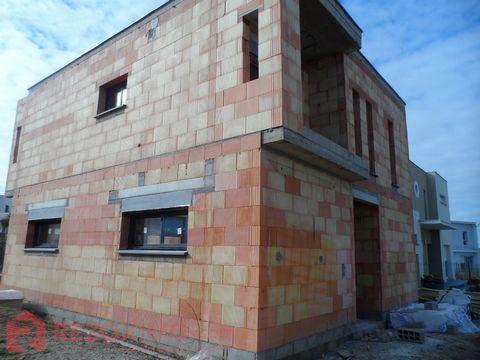 Villa t4 neuve 4 faces r+1 160 M2. quartier de prestige neuf . MAISON EN COURS DE FINITIONS . Possibilité de personnalisation ( carrelages , peintur
