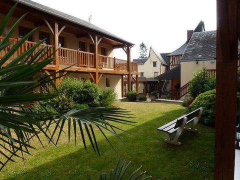 Situé au centre d'une petite ville normande vente Mur et fond d'un hôtel restaurant dans un état irréprochable comprenant 17 chambres allant de 10 à 1