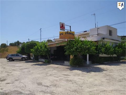 This bar restaurant between the towns of Tolox (well known for its hot springs) and Coín is located at the foot of the A-366 road and consists of a huge area dedicated to the dining room and the counter, as well as a large kitchen and an interior pat...