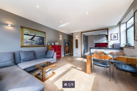 Offering ample space to entertain and presented in exceptional condition, this superb 2 bedroom apartments offers a modern open plan kitchen and a family bathroom. Caxton Street is ideally located for local cafes and shops while St James's Undergroun...