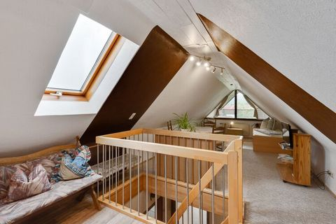This apartment is located in the Niedereschacher district of Kappel about 8 km from Villingen and in the middle of Eschachtal. It has a large covered balcony and you can enjoy the magnificent views of the charming Black Forest landscape and its varie...