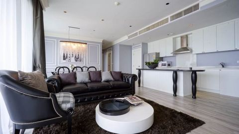 3-bedroom property for RENT/SALE of 170 sq.m in South Sukhumvit (Sukhumvit 16-38). This property features: Air-conditioning, Furniture, Storage room, Green view, Top floor, Balcony/terrace, The residence offers: 24/7 Security, Elevator, Indoor playgr...