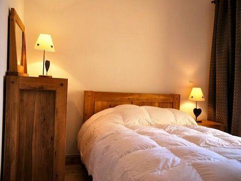 La résidence Iseran G se trouve à Arc 1800, dans le village du Chantel, au pied des pistes de ski et à quelques minutes du centre, de l'école de ski et des commerces (navette gratuite). Cette résidence récente regroupe 46 appartements de grands stand...