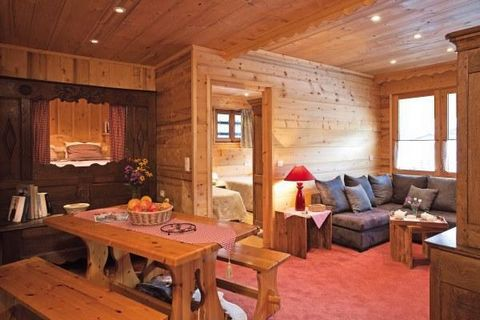 The residence Le Cortina with lift is located in Le Grand Bornand Chinaillon. You will be situated 100 m from the ski slopes and ski lifts and 900 m from the coss country area. The resort center and shops are situated 400 m from the residence. The sh...