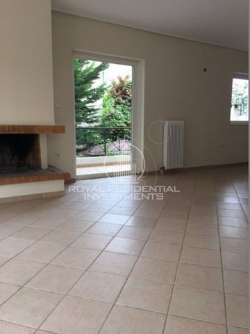 Property Code: 28724 - Maisonette FOR RENT in Attika - North Amarousio for €1.400. This 170 sq. m. Maisonette 2 levels and features 3 Bedrooms, Livingroom, Kitchen, 2 Bathrooms , WC The property also enjoys Heating system: Autonomous heating - Oil, W...