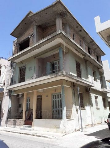 Three-storey building for sale in Pyrgos, Peloponnese. The building 281.5 sq.m., elevated ground floor – 1st – 2nd, corner, 3 bedrooms, construction '70, without elevator, needs renovation, Ground floor (elevated) and 1st floor built in 1970 complete...